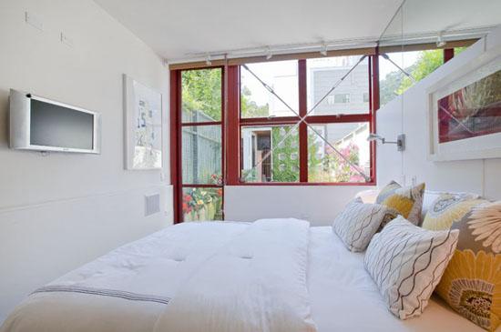 10-feet Wide Contemporary Home
