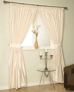The Benefits of Ready-Made Curtains