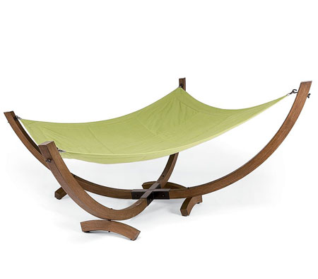 Enjoy the sun with the 4 pole hammock from pottery barn modern home decor for Juegos de jardin divino