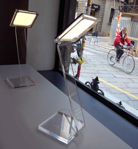 Comet Desk Lamp