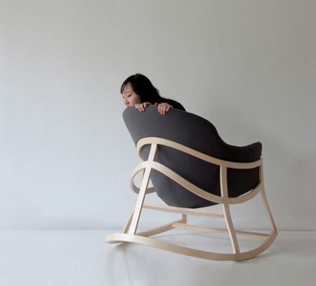 Dancing chair for a more relaxing sitting experience for Modern sitting chairs