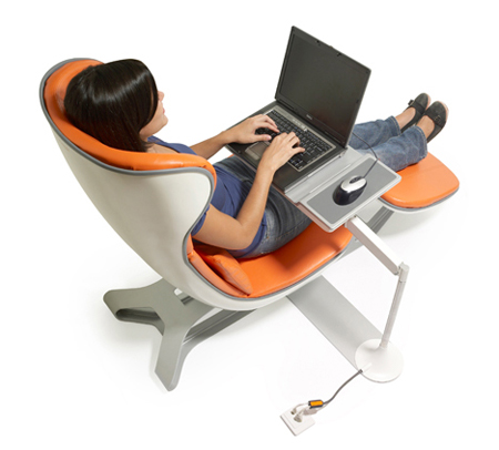 Working and relaxing at the same time with daybed louge Chaise confortable