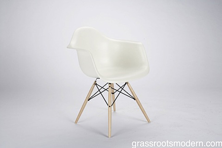 eames molded chair from dwr modern home decor. Black Bedroom Furniture Sets. Home Design Ideas