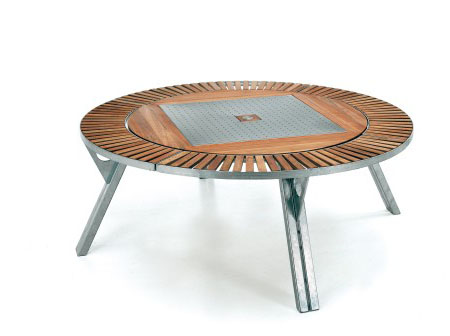 Gargantua : A Multifunctional Piece of Garden Furniture by Extremis
