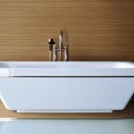 Kaos 3 Bathtub with Wire Frame From KOS