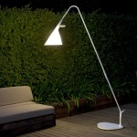 Mate: Your Sleek Outdoor Lamp From Metalarte