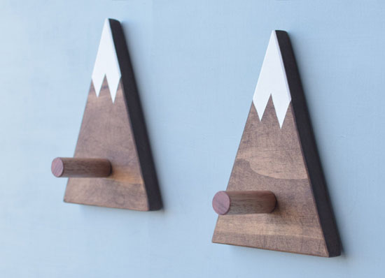 Rustic Mountain Wall Hook for Home Entrance