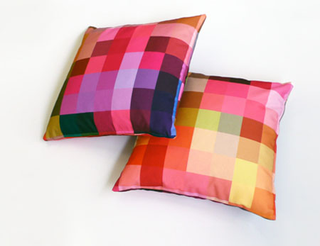Squaring of the circle cushions