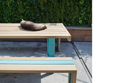 SR White Outdoor Table Set