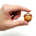 Tiny Acorn iPod Speaker: Fill Your House With Loud Music