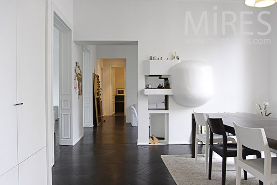 Black and White Flat in Paris - Top 20 Black and White Décorating Ideas to Inspire You
