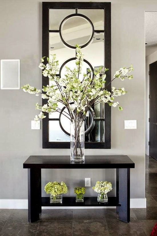 Entrance Hall with Big Mirror - Top 20 Black and White Décorating Ideas to Inspire You