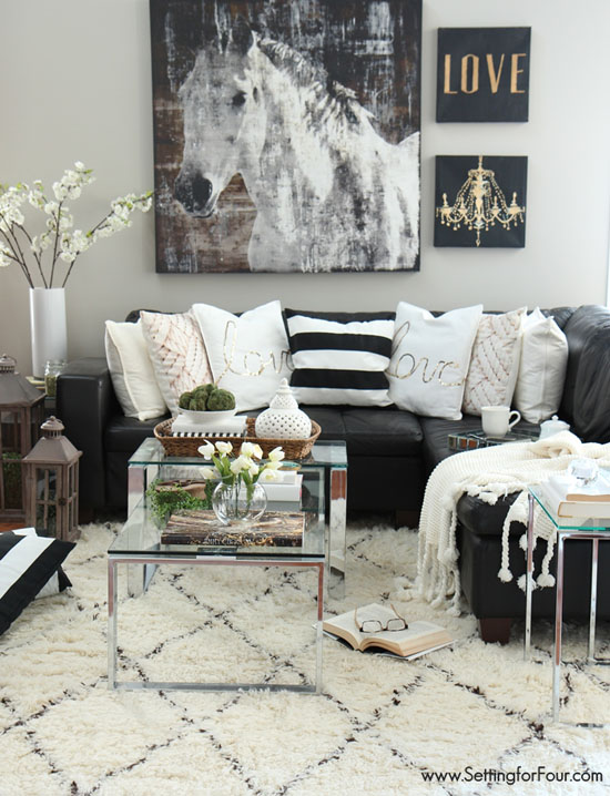 Living Room of Heather Luckhurst - Top 20 Black and White Décorating Ideas to Inspire You