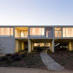 White O Residence: A Home With Enclosed Garden